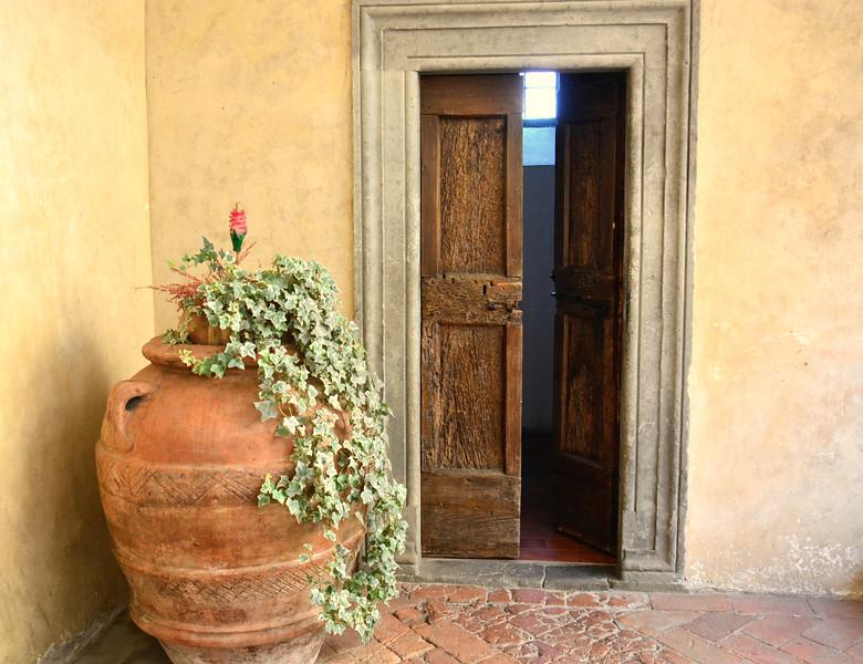 Italy tebbio Flower vat door.jpg