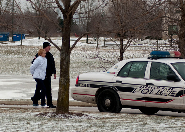 Hanover Park PD find shooting victim in hotel - Jan. 26, 2010