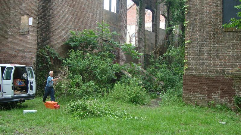 Annie Lytle 2012 Cleanup Effort and Volunteers 001.jpg