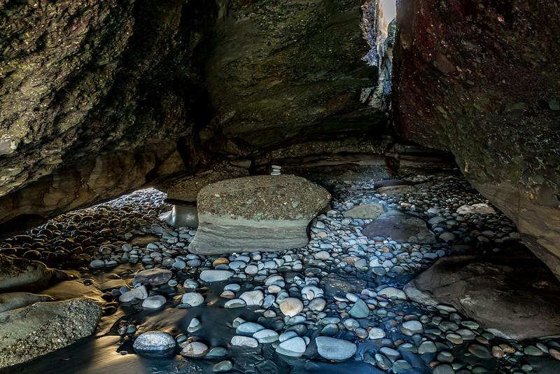 «Motukiekie Beach Walk»: Höhle
