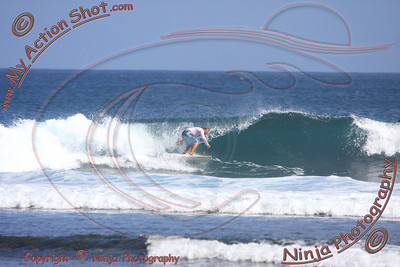 <font color=#F75D59>2008_07_11 - Surfing Uluwatu, BALI - Kurt</font>