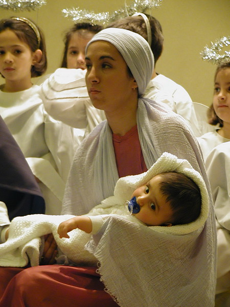 2002-12-21-HT-Christmas-Pageant_129.jpg