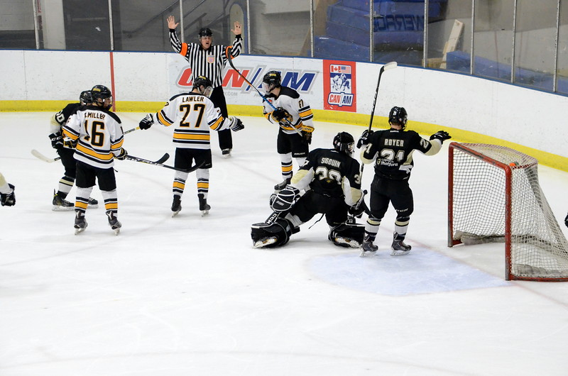 180112 Junior Bruins Hockey-015.JPG