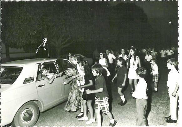Lukapa. 24/9/1972. NANY TAVARES E TOZÉ LOURENÇO Partida para o Cossa