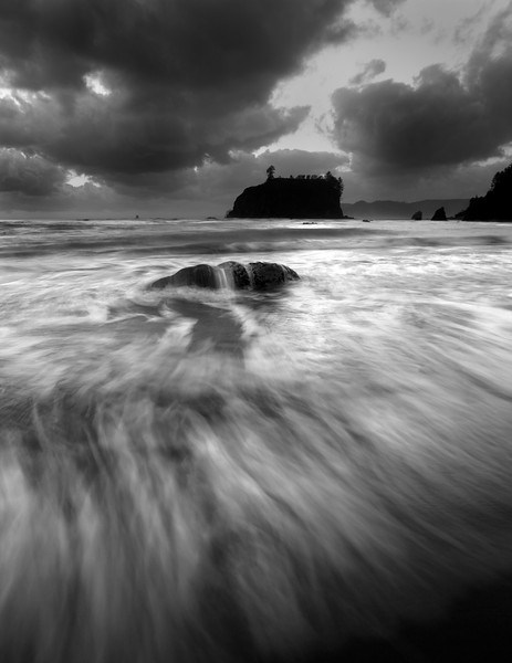 XK4L5555 seascape black and white 2.jpg