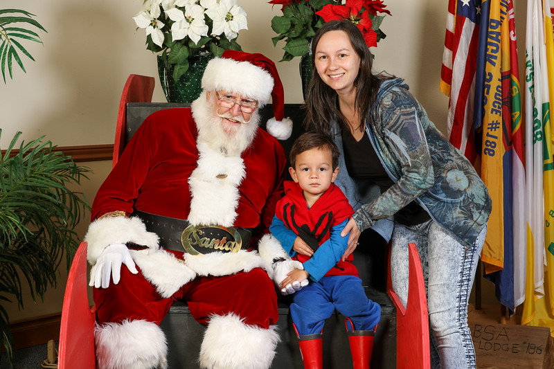 TBTP 2019 Photos with Santa-112.JPG