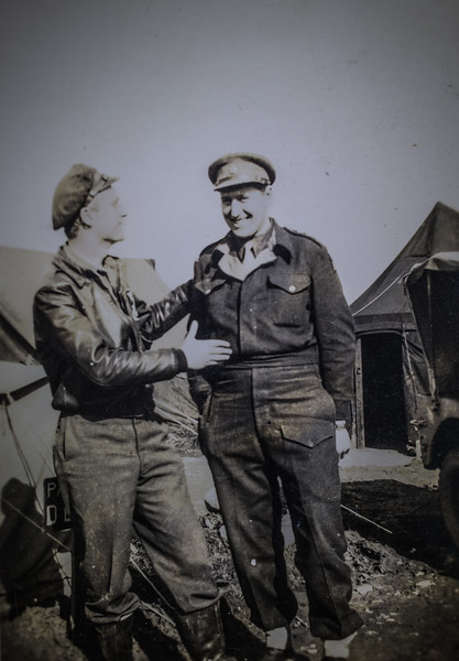 Unknown pilot and infantry officers-7386.jpg