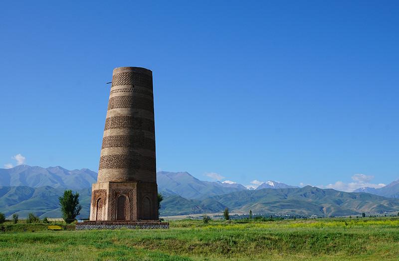 The Burana tower in Kyrgyzstan.jpg
