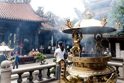 Lungshan Temple - Taipei