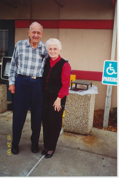 Ellis & Eileen @ Bob Evan's Loagansport 80th Birthday.jpg