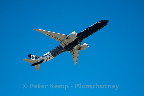 Air New Zealand Black 777-300