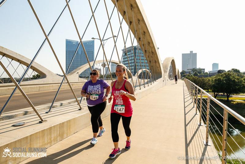 Fort Worth-Social Running_917-0645.jpg
