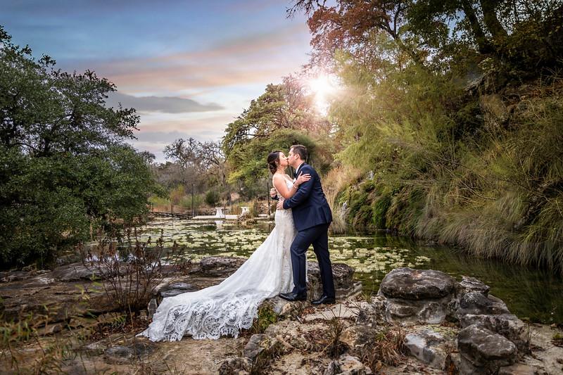 Michaeleah-Chase-Destination-Wedding-Photographer-Remi's-Ridge-Spring-Branch-TX.jpg
