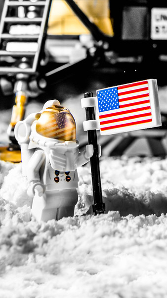 10266 - Lunar Landing