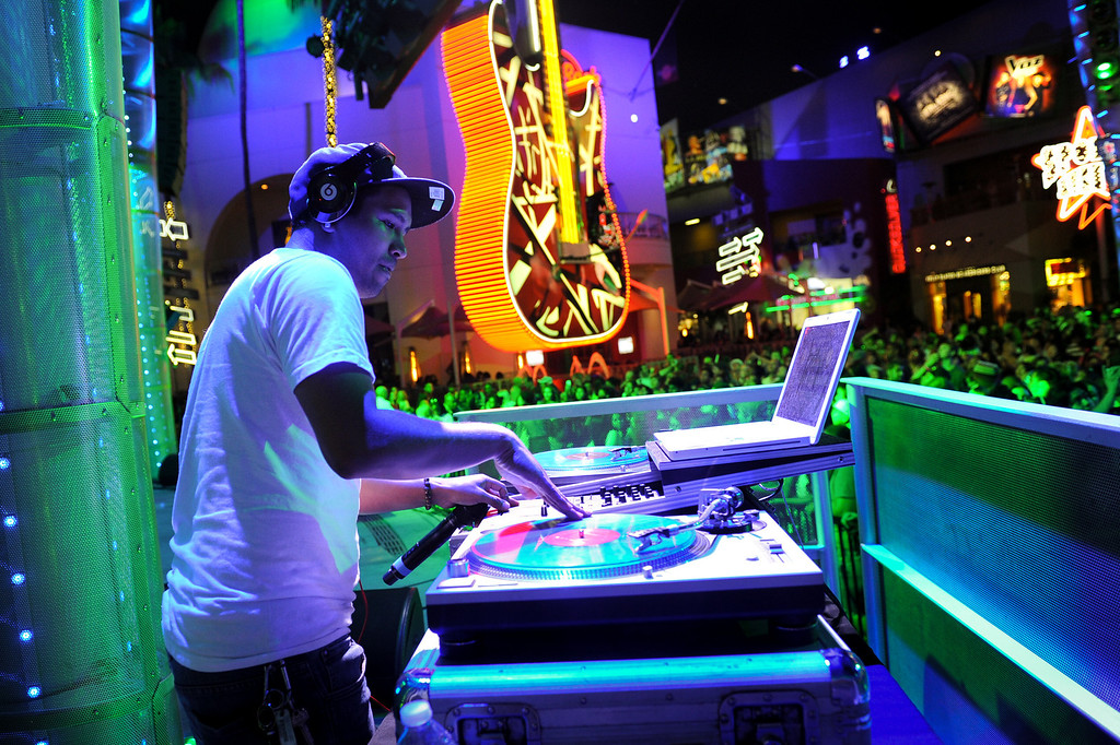 . DJ Love Machine keeps the crowd grooving at 5 Towers at Universal CityWalk. Friday, July 6, 2013. (Michael Owen Baker/L.A. Daily News)