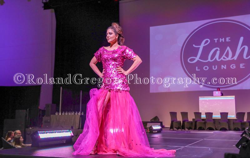 100 Womens Fashion show2019-3387.jpg