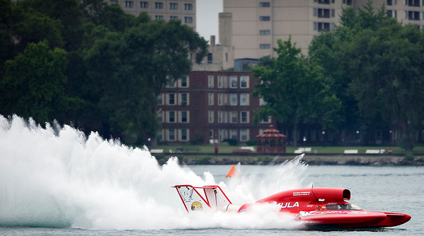 Gold Cup Hydroplane Qualifying