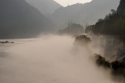 如梦如幻的新安江 Dreamy/Misty Xin An River