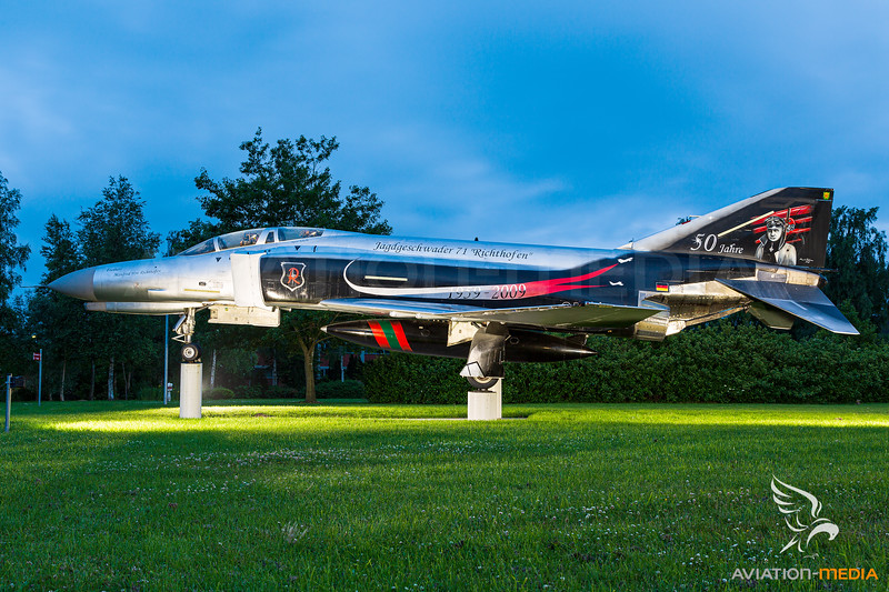 Germany - Air Force / McDonnell Douglas F-4F Phantom II / 37+03