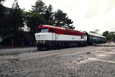 CD Class 751