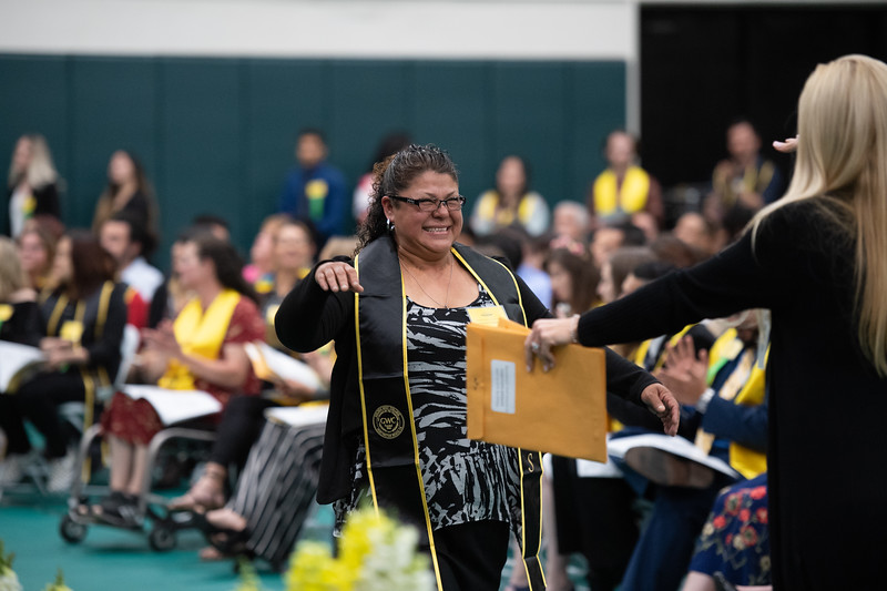 Scholarships-Awards-2019-9826.jpg