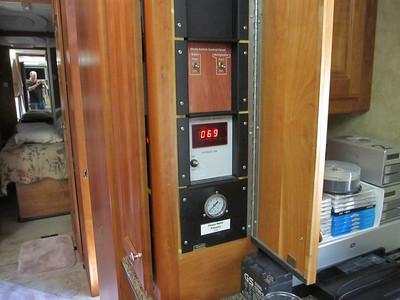 Water Pressure Gauge 4/2012