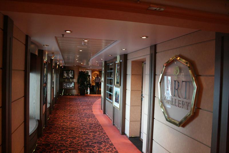 2008 - On board MSC MUSICA : art gallery.