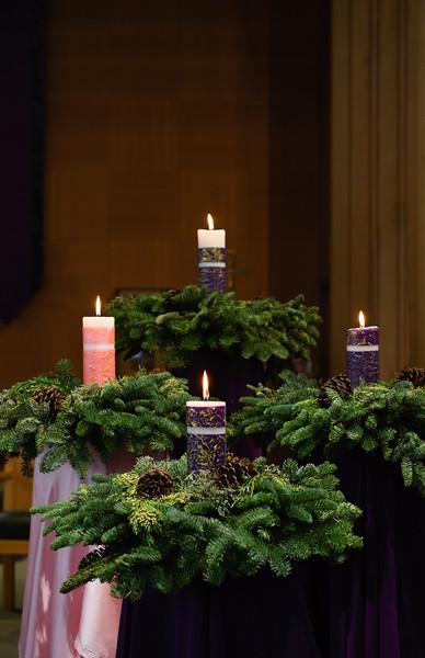 2018 Advent Wreath_8687-Edit_300 DPI.JPG