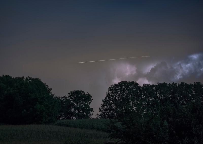 lightning - plane rerouting (p).jpg