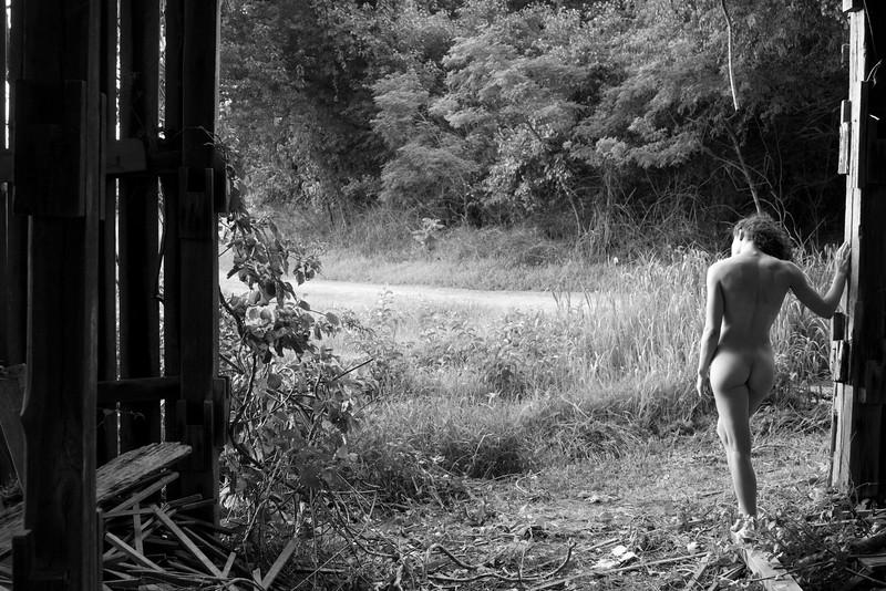 2016 07 Rustic Nude w Tara img_5260.JPG