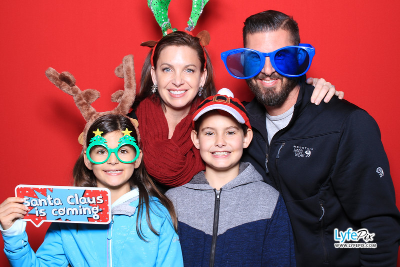 eastern-2018-holiday-party-sterling-virginia-photo-booth-0052.jpg