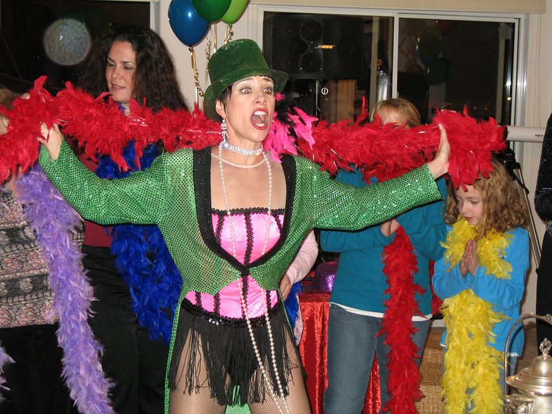 Photo of Las Vegas Entertainer Kiki Kalor performing at Barbara and Marvin Broxmeyer New Year's Day Party 2007.