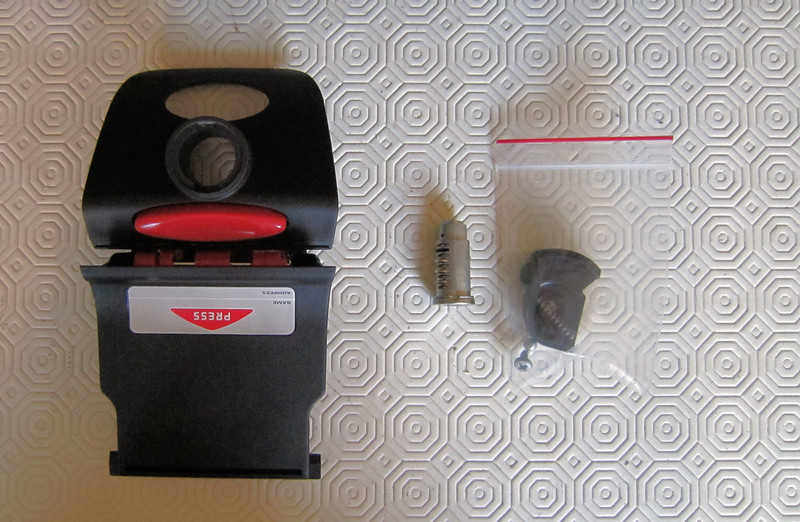 2/8: Latch and lock fitting kit - Ducati (Givi) Top Case (Top Box / Topcase / Topbox) for the Multistrada 1200 See here for installation instructions (inc fitting the lock barrel): Multistrada 1200 Downloads - Misc Instructions & Other Documents