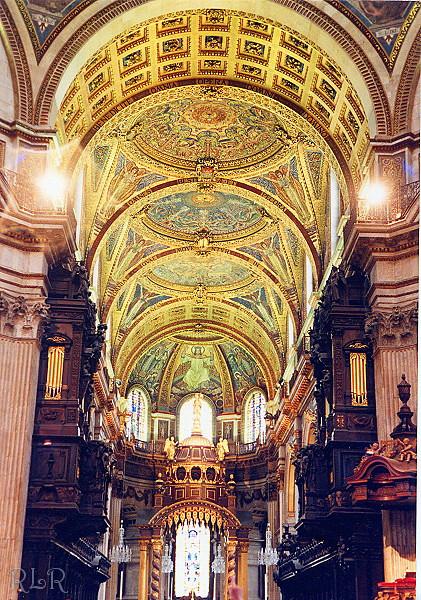 St Pauls 2 (33639477).JPG