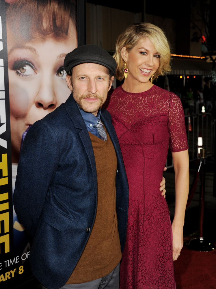 """. Actress Jenna Elfman (R) and her husband actor Bodhi Elfman arrive at the premiere of Universal Pictures\' \""""Identity Theft\"""" at the Village Theatre on February 4, 2013 in Los Angeles, California.  (Photo by Kevin Winter/Getty Images)"""