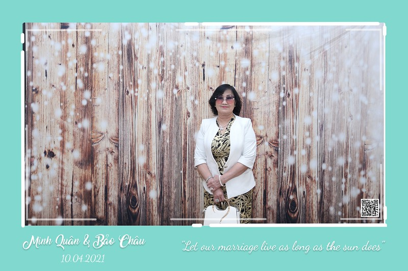 QC-wedding-instant-print-photobooth-Chup-hinh-lay-lien-in-anh-lay-ngay-Tiec-cuoi-WefieBox-Photobooth-Vietnam-cho-thue-photo-booth-122.jpg