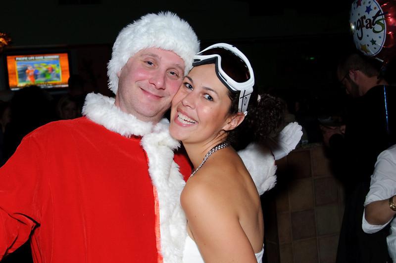 2009 ALS Santa Crawl-159.jpg