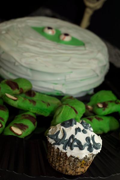 skull cupcake.jpg
