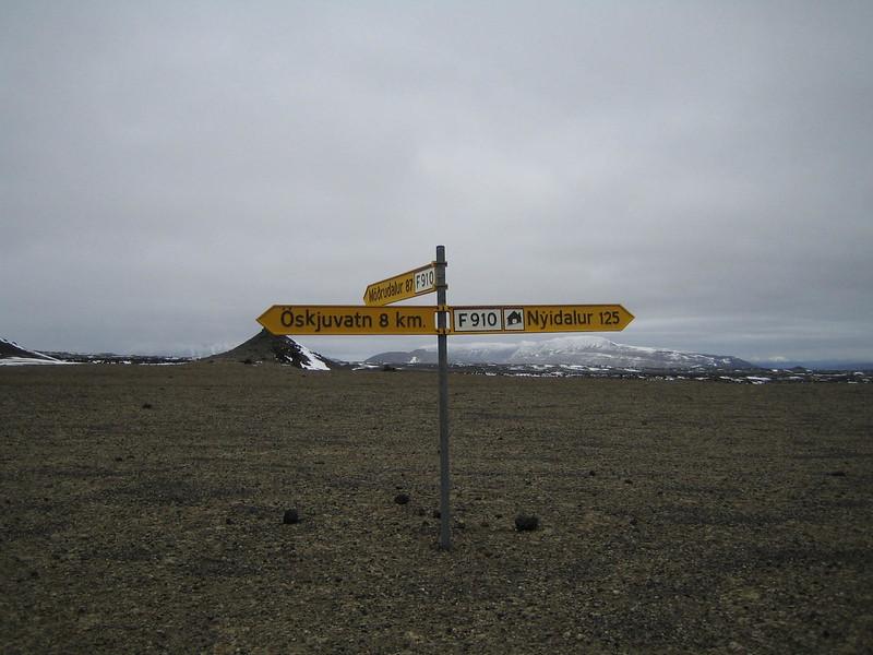 1969 - Crossroads at Drekagil.jpg