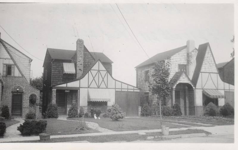 1569 WALKER AVE 1930.jpg