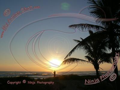 2007_11_04 (am) - Surfing TS Noel - Delray Beach
