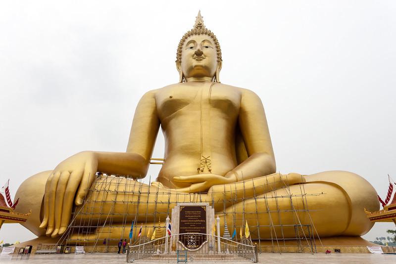 Wat Muang_Ayutthaya (41 of 52).jpg