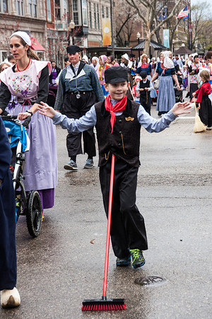 Tulip Time Volksmarch parade 2014