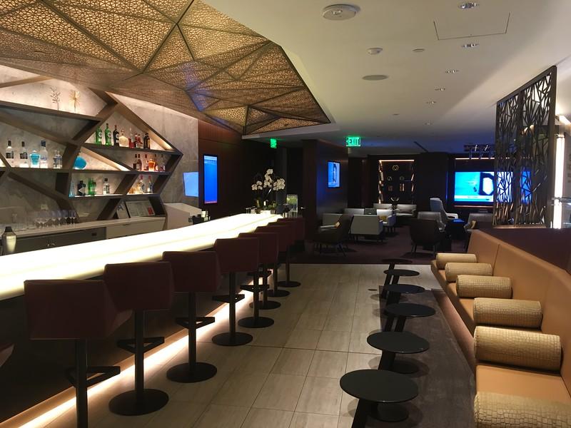 Etihad Lounge (1).JPG