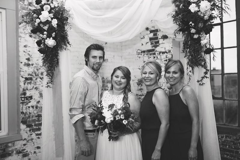 Family Formals K&M BW-8.jpg