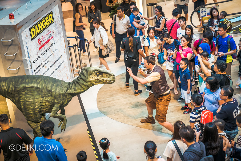 Universal Studios Singapore Park Update - Jurassic World Explore and Roar Val and trainer Wyatt crowd control