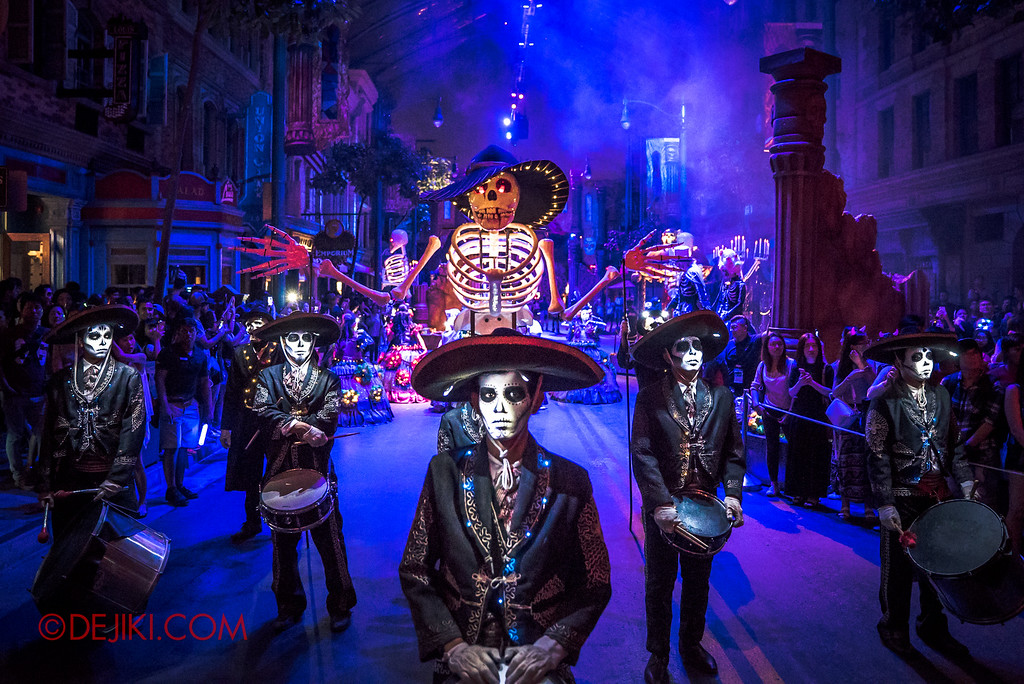 Halloween Horror Nights 6 - March of the Dead / Death March - Band, Symmetric Hero
