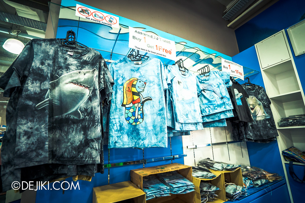 Underwater World Singapore - Souvenir House t-shirts