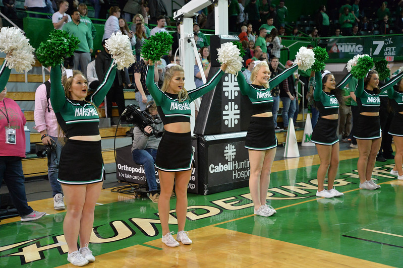 cheerleaders6389.jpg