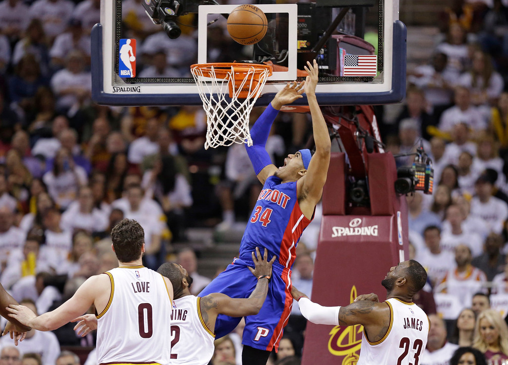 . Detroit Pistons\' Tobias Harris (34) drives to the basket against the Cleveland Cavaliers in the first half in Game 2 of a first-round NBA basketball playoff series, Wednesday, April 20, 2016, in Cleveland. (AP Photo/Tony Dejak)